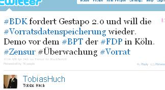Image - tweet by @TobiasHuch #BDK fordert Gestapo 2.0 und will die #Vorratsdatenspeicherung wieder. Demo vor dem #BPT der #FDP in Köln. #Zensur #Überwachung #Vorrat